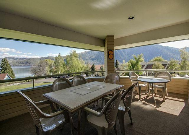 Wapato Point Lake View Condo by Outdoor Pool - Image 1 - Manson - rentals