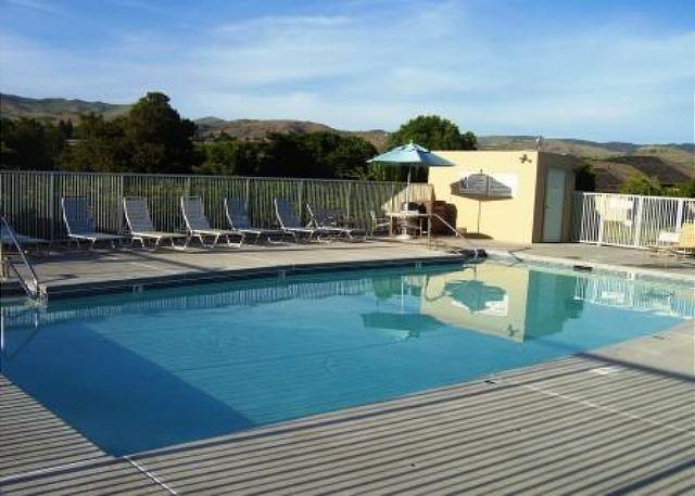 Wapato Point Halmalka Condo #504B near Pool with Lake Views - Image 1 - Manson - rentals
