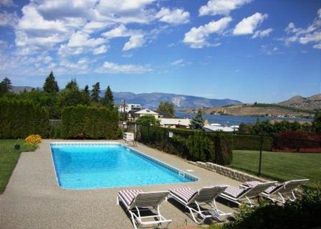 Private Outdoor Pool 40x17 - Downtown Chelan Lakeview Home with Private Outdoor Pool & Hot Tub - Chelan - rentals