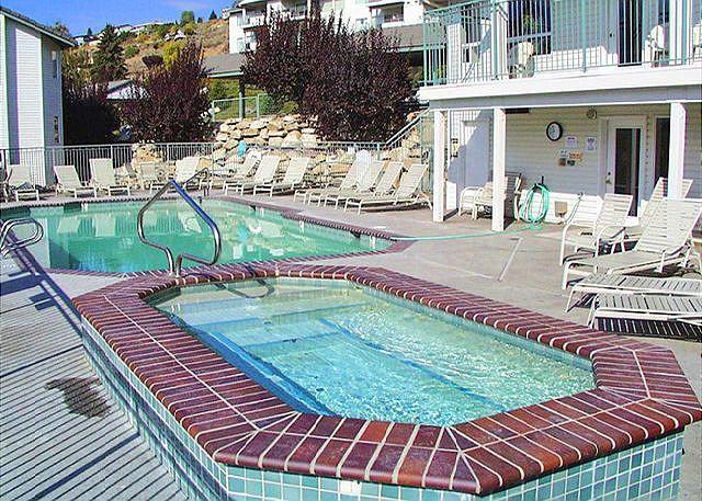Chelan Park Pointe Condo D104 by Sage Vacation Rentals - Image 1 - Chelan - rentals