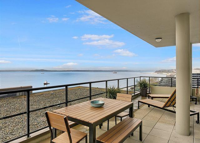 Luxury living and exceptional views on the top floor! - Sea to Sky Rentals - Image 1 - Seattle - rentals