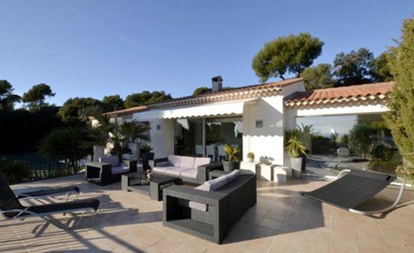 3 Bedroom House with a Pool and Garden, Villefranche sur Mer - Image 1 - Beaulieu-sur-mer - rentals
