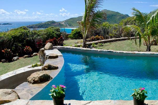 Villa Rosa... 4BR, Red Pond Estates, St Maarten 800 480 8555 - VILLA ROSA...4 BR located in the gated community of Red Pond Estates on St. Maarten - Saint Martin-Sint Maarten - rentals