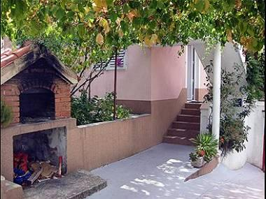 grill (house and surroundings) - 5755  A1(4) Donji - Seget Vranjica - Seget Vranjica - rentals