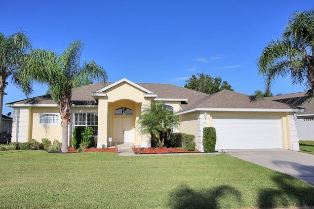 Front of Home - 4 Bed Ridgewood Lakes Golf Coures Home (1030-RID) - Davenport - rentals