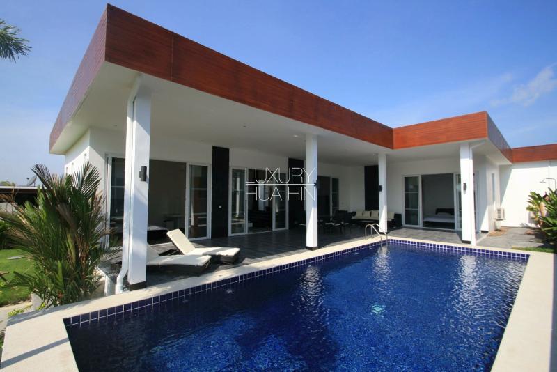 Exciting Villa in a Resort - Image 1 - Hua Hin - rentals