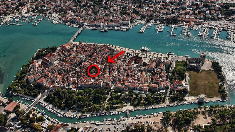 Borgoforte Apt Center, private terrace - Image 1 - Trogir - rentals