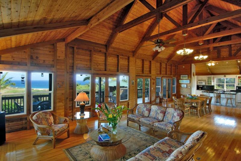 Great Room in main house ( amazing place to entertain) - PAPAPA PLANTATATION ON BEAUTIFUL MOLOKAI HAWAII - Maunaloa - rentals