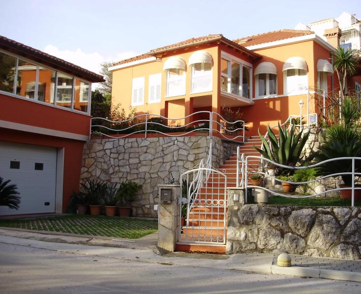 VILLA GEMMA-house near the sea with swimming pool - Image 1 - Mlini - rentals