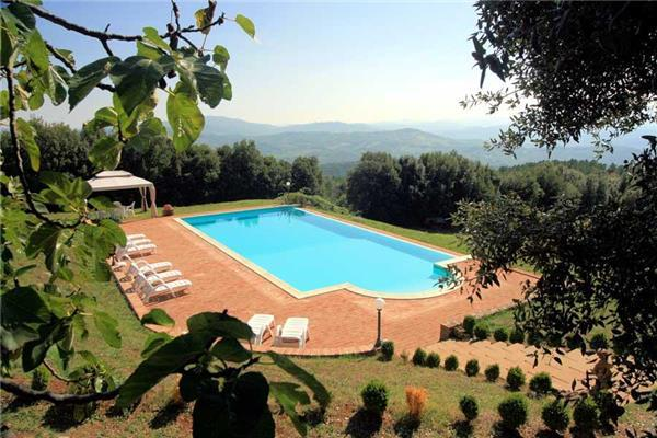 6 bedroom Villa in Casole d Elsa, Tuscany, Italy : ref 2101668 - Image 1 - Casole d'Elsa - rentals
