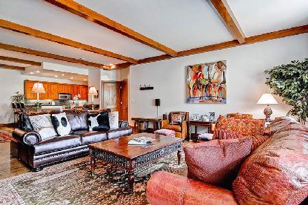 Bear Paw-A - Bachelor Gulch- Ski in/Ski out & luxurious amenities access - Image 1 - Beaver Creek - rentals