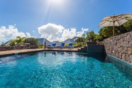 Superb Turtle Villa with outdoor living/dining area and magnificent views - Image 1 - Mont Jean - rentals