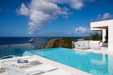 Unique villa Vitti boasts sunset views from infinity pool & access to private beach - Image 1 - Gustavia - rentals