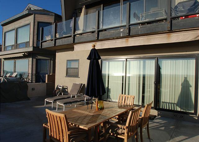 Oceanfront 3 Bedroom Lower Unit of a Duplex! Spacious Patio! (68284) - Image 1 - Newport Beach - rentals