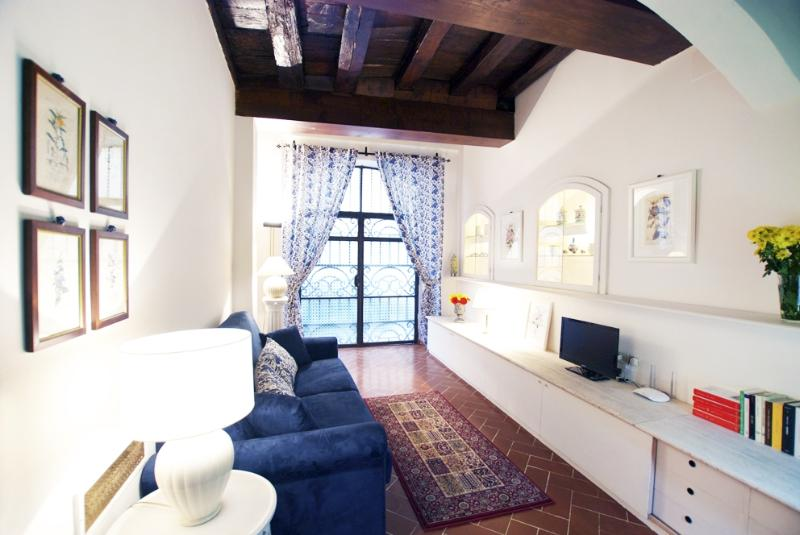 Apartment Oltrarno Florence apartment rental, Florence vacation flat, holiday apartment in Florence - Image 1 - Florence - rentals