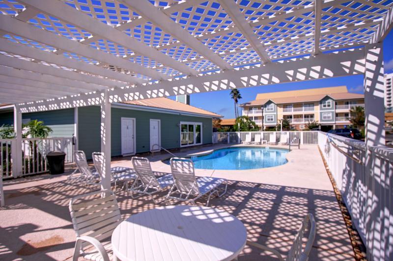 St. Martin Beach Walk Villas 332 - Book Online! 3BR/2.5BA 200 yards to Beach in Destin! - Image 1 - Destin - rentals