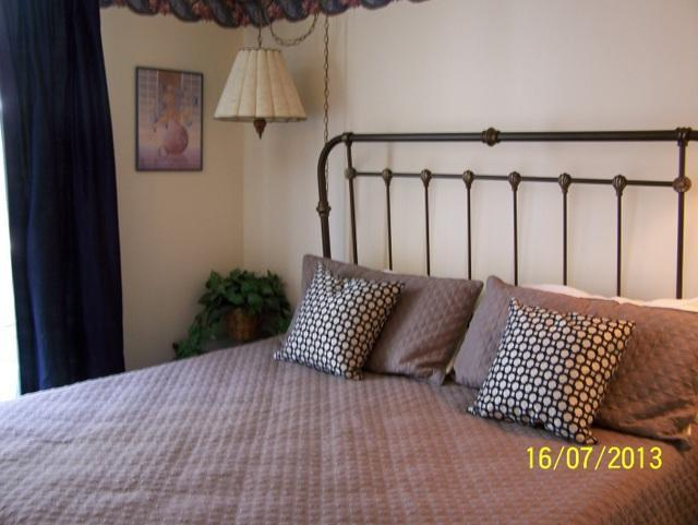 Master Bedroom with King Bed - #212 Oak Square - 1 Bedroom Condo - Gatlinburg - rentals