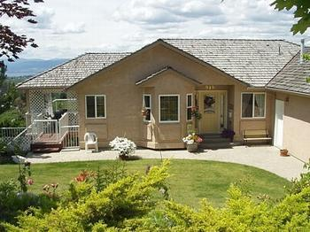 5 bedroom 3 bath Family Lake Okanagan Kelowna View - Image 1 - Kelowna - rentals