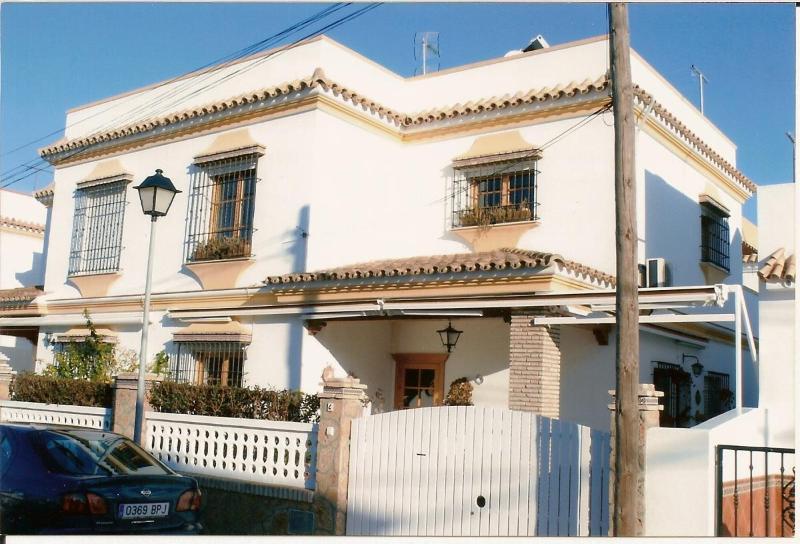 Façade of the house. - Apartment in Chipiona, Costa de la Luz, Spain - Chipiona - rentals