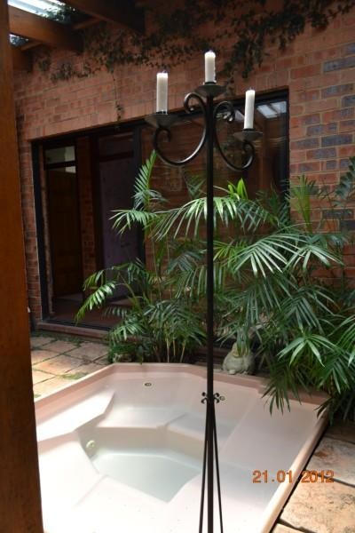 Jacuzzi - Pomegranate B+B  Rustic room and  Classic room - Vanderbijlpark - rentals