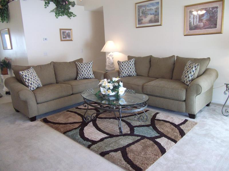 sofa bed - Donald's Den, Indian Ridge Oaks, Kissimmee,Florida - Kissimmee - rentals