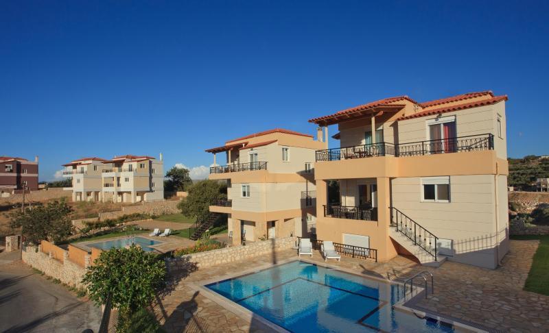 Exterior view of villas - Villa Stella , Kournas,Chania,Crete - Kournas - rentals