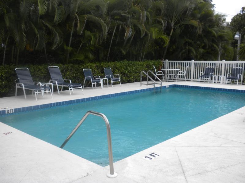 Heated Pool - Beach Front 1 Bedroom Condo on Gulf of Mexico #10 - Longboat Key - rentals
