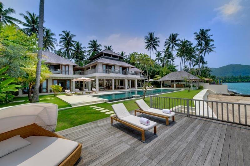 Angsoka Beach Villa - 6 Bedroom in Candidasa, Bali - Image 1 - Candidasa - rentals