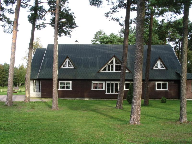 house from street - Cosy B&B near the beach and 11 km from Kuressaare - Kuressaare - rentals