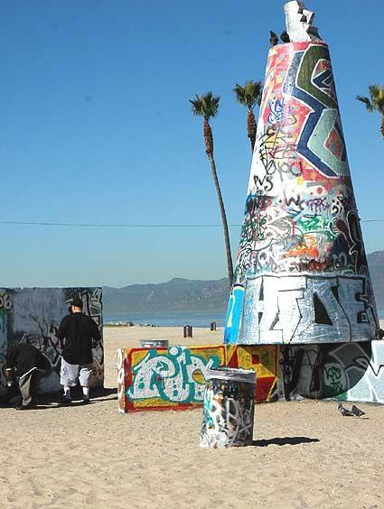 1 Venice Beach Apartment two minutes to the sand! - Image 1 - Santa Monica - rentals