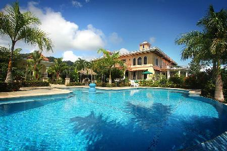 Hilltop Hacienda La Cresta on 60 private acres with pool, theatre, billiard room & lovely views - Image 1 - Dominical - rentals