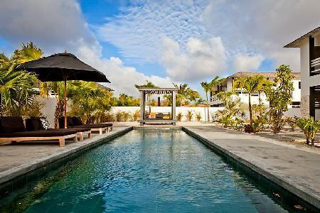 Stylish Garden Villas Iguana - tropical gardens, saltwater pool & short drive to Pink Beach - Image 1 - Kralendijk - rentals