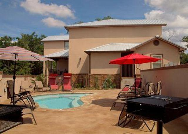 Spa Patio - UPSCALE VILLAS! Hinman B will meet your needs on every level! - New Braunfels - rentals