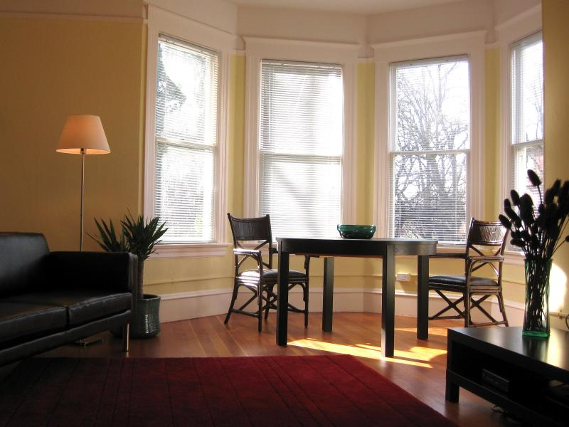 Seattle Turret House Furnished Vacation Rental Apartments - Seattle Turret House (Apt 3) 2BR Victorian - Seattle - rentals