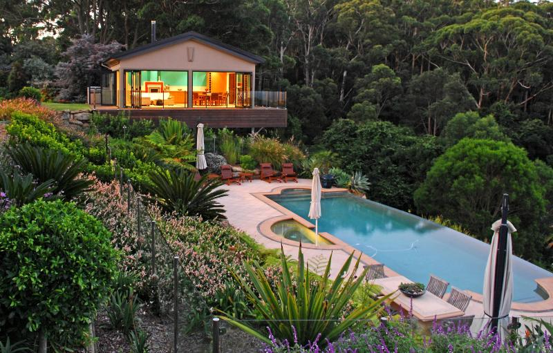 Dusk at The Outlook Cabana... Picturesque - Indulgent Accommodation  - The Outlook Cabana, bet - Terrigal - rentals