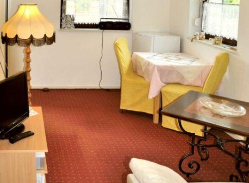 Vacation Apartment in Hoppegarten - 377 sqft, quiet, comfortable, central (# 3650) #3650 - Vacation Apartment in Hoppegarten - 377 sqft, quiet, comfortable, central (# 3650) - Hoppegarten - rentals