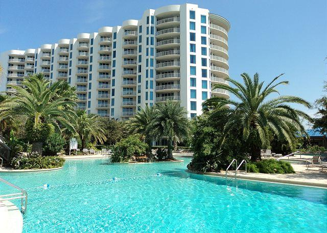 11,000 Lagoon Pool - Two Master Suites and Full Amenities In The Center Of Destin - Destin - rentals