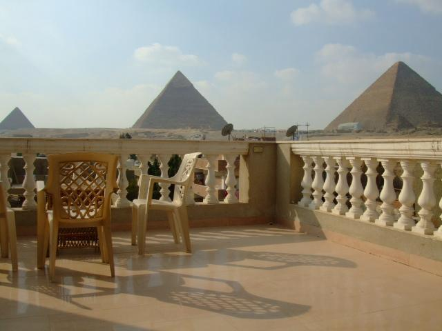 View from the Balcony - Pyramids View 2 Bedrooms apartment - Giza - rentals