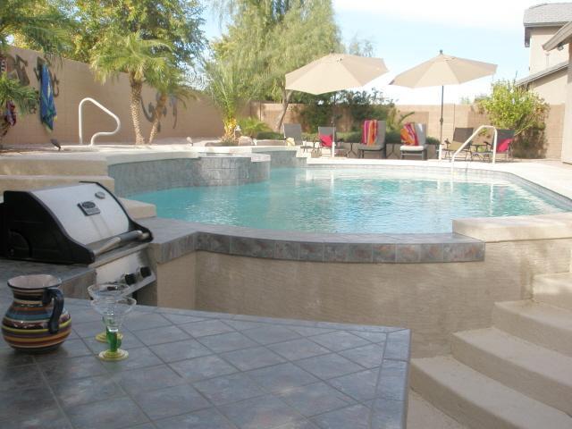 4 Bedroom/3 Bath w/Heated Pool & Spa - Swim Up Bar - Image 1 - Chandler - rentals