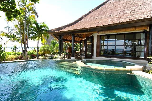 Villa Bundar: Luxury Beachfront Villa with Staff - Image 1 - Lovina - rentals