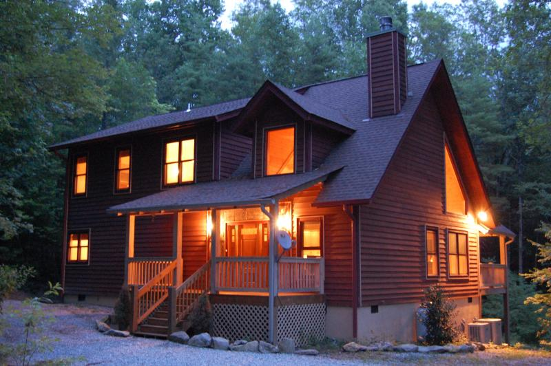 Newer mountain home built in 2008 - Whisper Lake Cabin - Sapphire - rentals