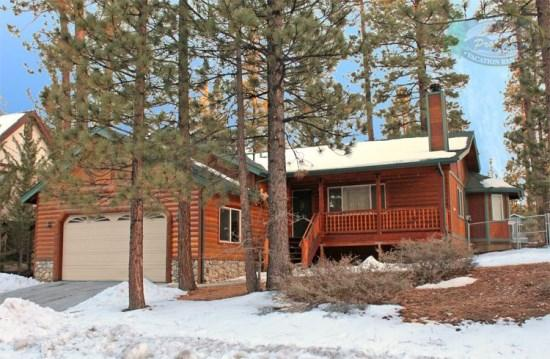 Pine Retreat Front View  - Pine Retreat - 3 Bedroom Vacation Rental in Big Bear Lake - Big Bear Lake - rentals
