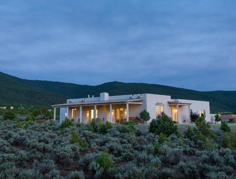 Welcome to Adobe Zen House! - *COMPLIMENTARY WINE* Elegant, Amazing Views! - Taos - rentals