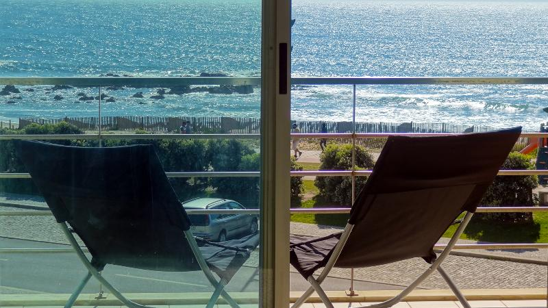 Balcony - Beach front apartment w/ superb sea view near Porto - Vila Nova de Gaia - rentals