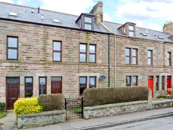 ROSELEA, open fire, games room, courtyard garden with decked area, in Eyemouth, Ref 20918 - Image 1 - Eyemouth - rentals