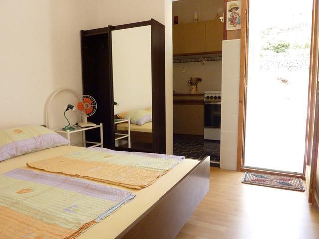 Apartments Cajner Pag - Ap2 (A2+2) - Image 1 - Pag - rentals