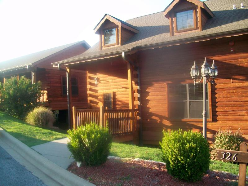 Front View of Cabin - Deer Creek Cabin off Strip WiFi, Wii, Indr/Pool - Branson - rentals