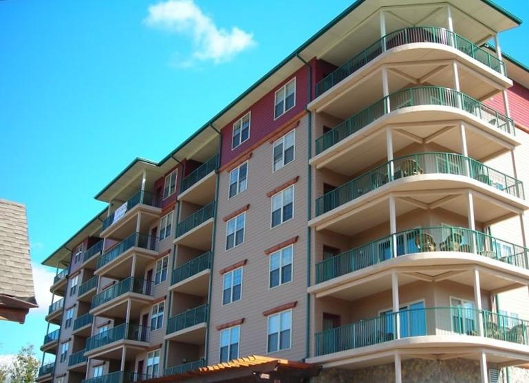 Big Bear Lodge and Resort - End Unit with Wrap-Around Balcony - Big Bear Resort 6001 - Pigeon Forge, Tennessee - Pigeon Forge - rentals