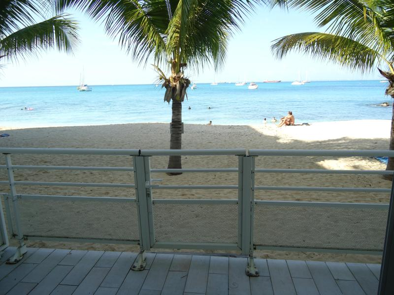 View of the terrace - Beachfront studio - Marigot - rentals