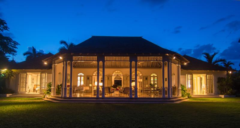 ALMOND HILL is a charming 4-bedroom home located on a former 500-acre coconut plantation.  Its location west of Montego Bay is literally one minute from posh Round Hill where guests enjoy complimentary resort membership. - Almond Hill - Montego Bay - rentals